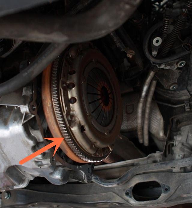 大众宝来挂挡困难在修理过程中修车师傅:这才是地道的大众车