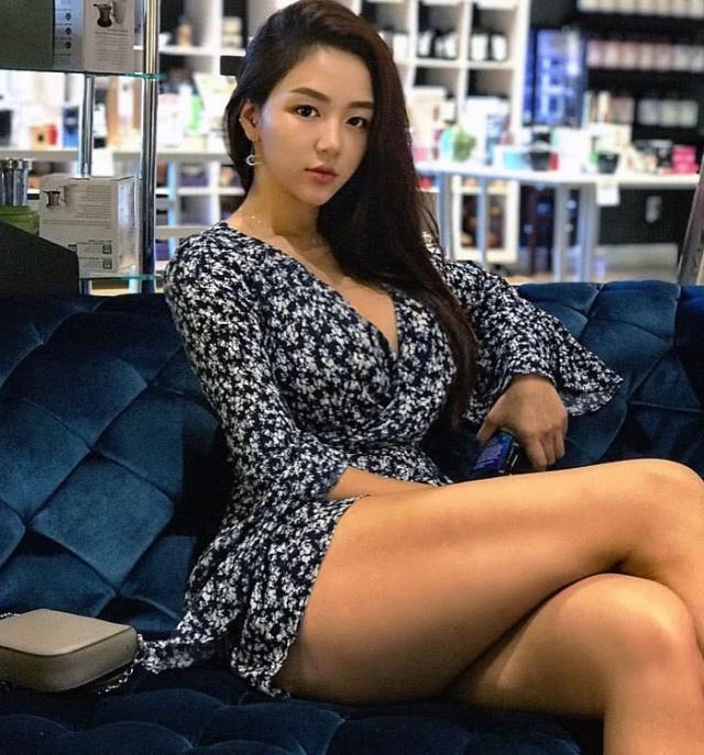 韩国女子身高1.7米,健身3年后身材出众,真实体重是130斤