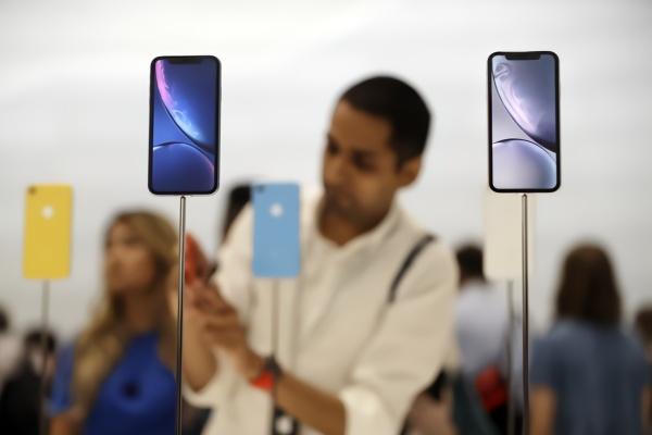 曝iPhone销量下滑:iPad/MacBook或采用OLED屏