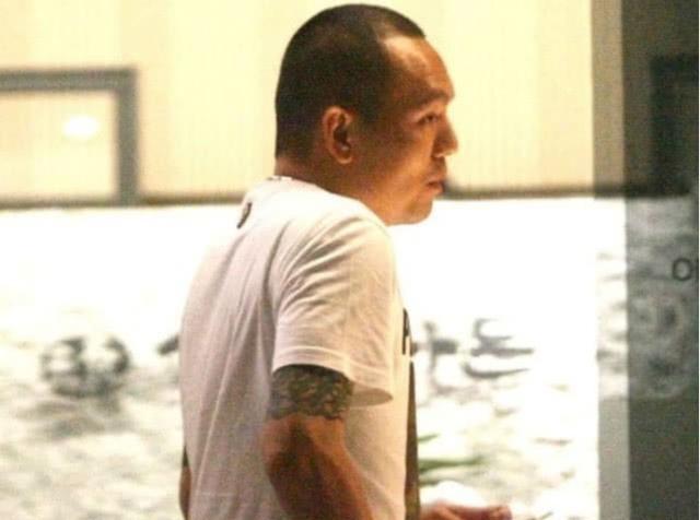 周扬青与罗志祥好友台北聚餐,无滤镜下S身材幻灭