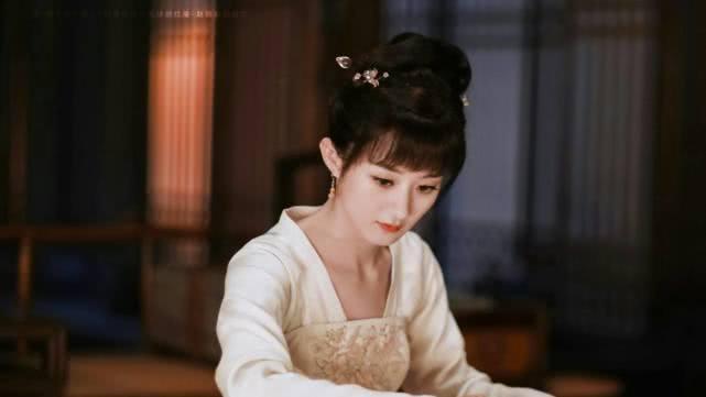 赵丽颖还未复出,却已传来一好消息,粉丝称赞其是流量和演技担当