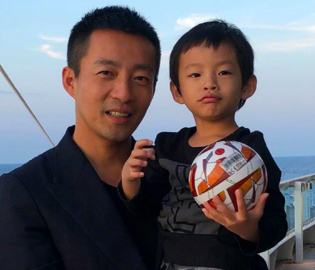 95曝汪小菲3岁儿子正面照,似爸爸复制粘贴,网友:原来你还有儿子