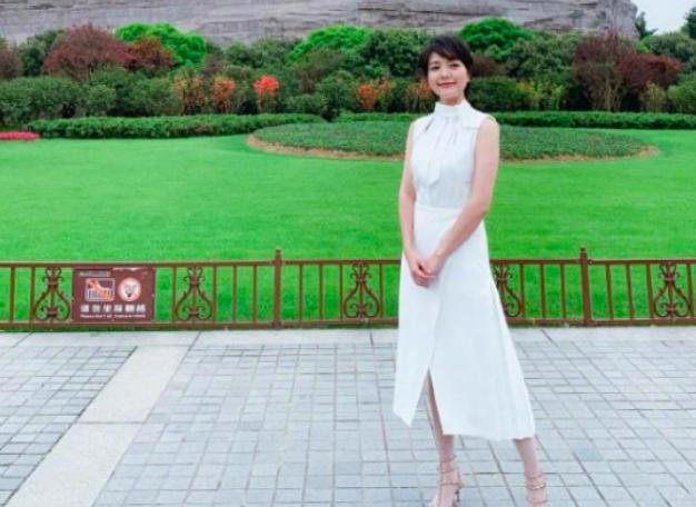 汪涵妻子41岁杨乐乐晒美照,自曝海外求学压力好大