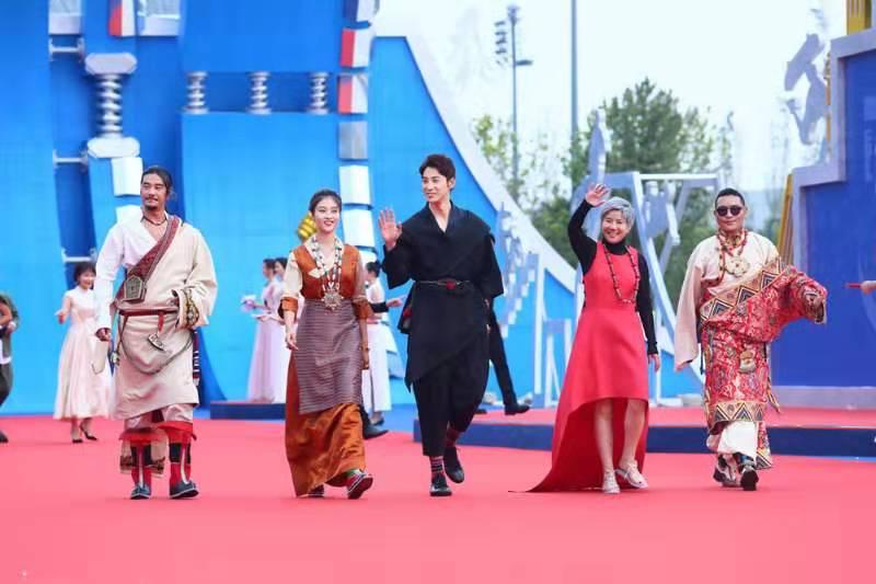 电影《英雄格萨尔》主创团队亮相第五届成龙国际动作电影周