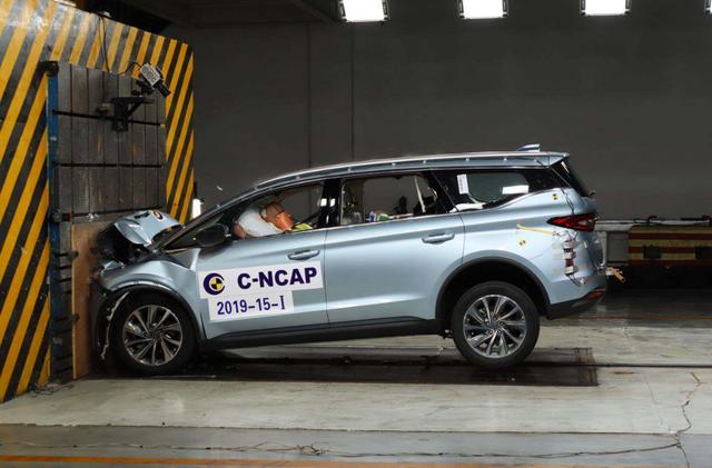 唯一通过C-ECAP白金认证的MPV,全方位安全气囊,年轻家庭首选