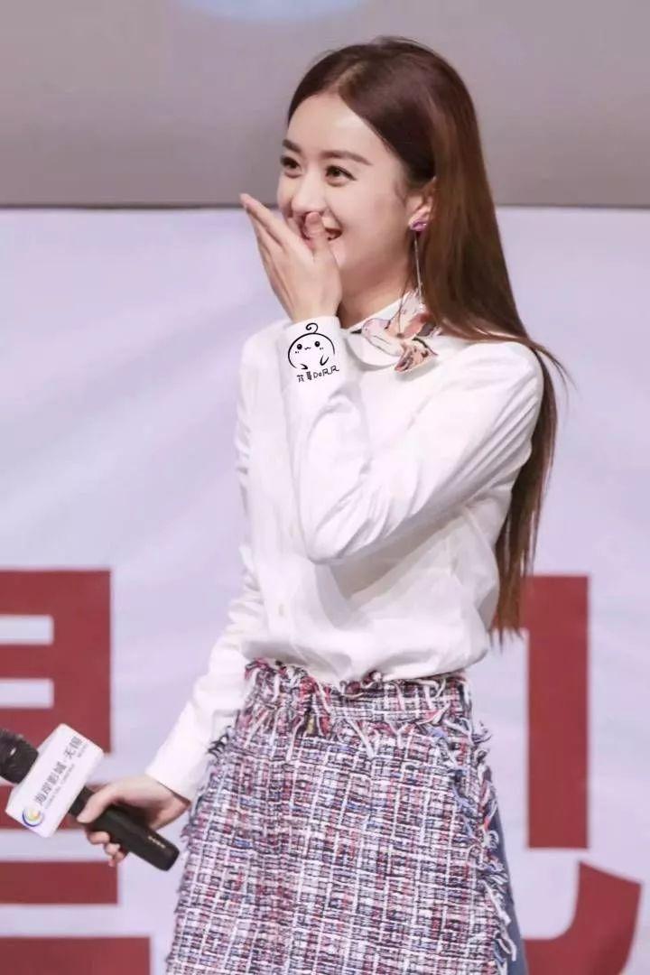 赵丽颖大秀恩爱晒美照老公视角的她穿棉服照样可爱!