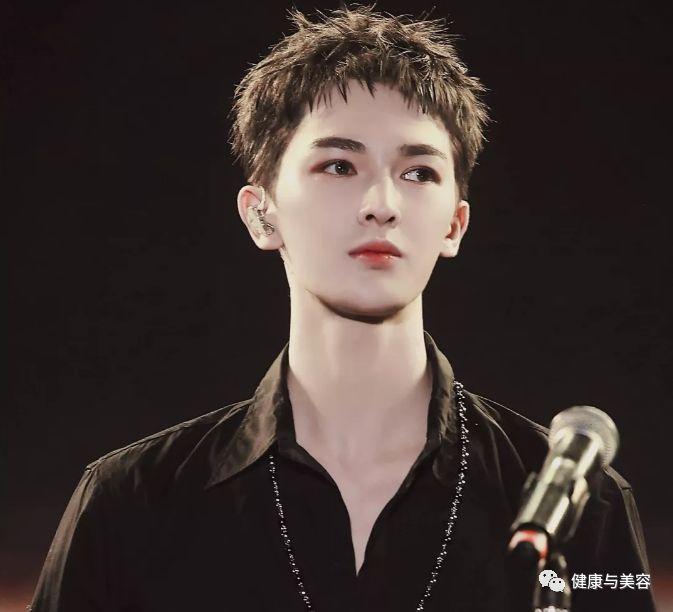 千玺杨洋开启2019年流行发型,小癞子头让男性荷尔蒙