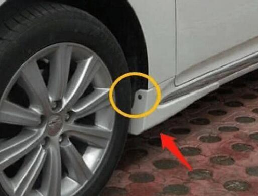 轮胎附近的这个小孔,并非用于安装螺丝这么简单,懂车的人都在用