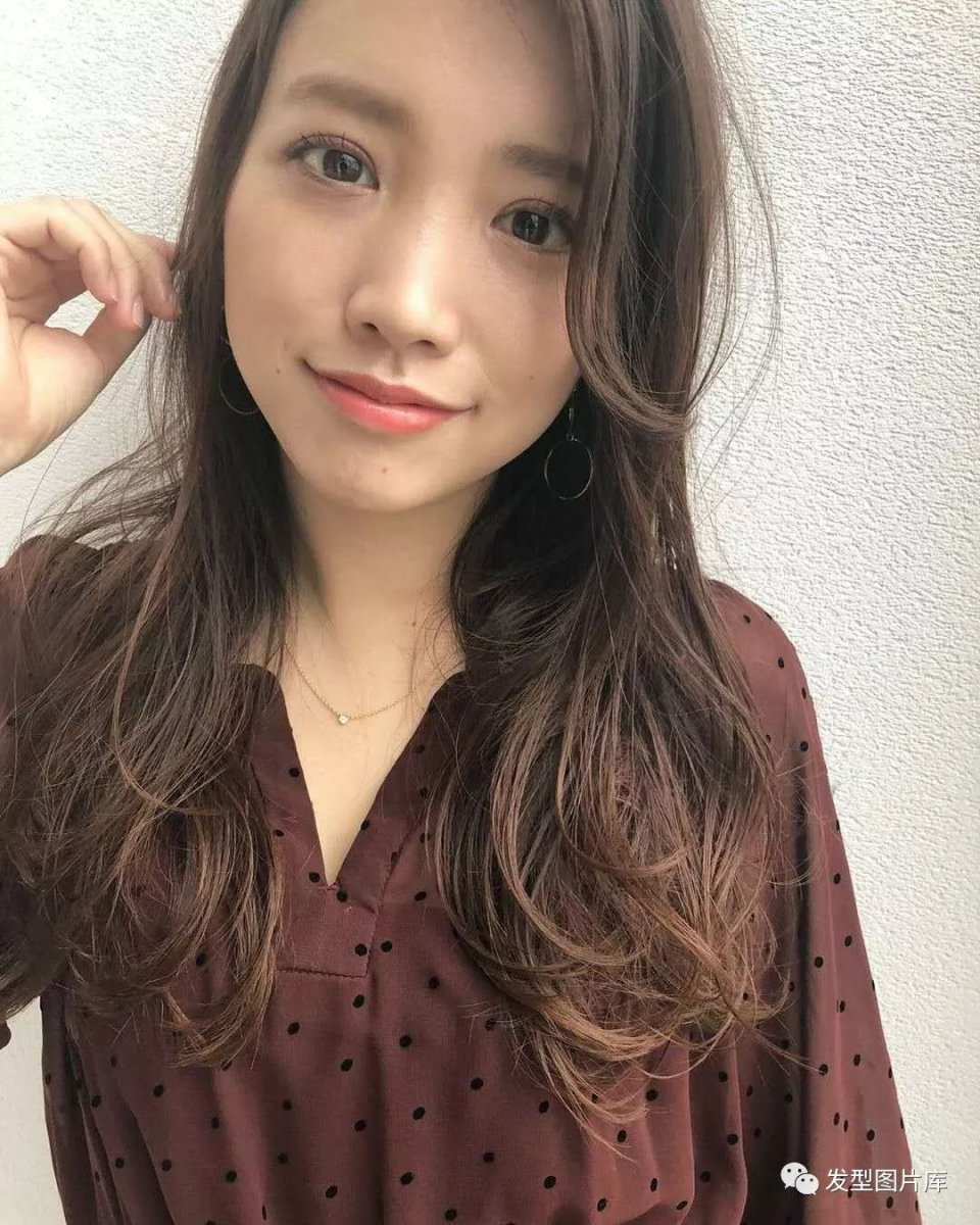 实拍:日本长卷苹果发的湿发发型发廊造型6换齐刘海图片