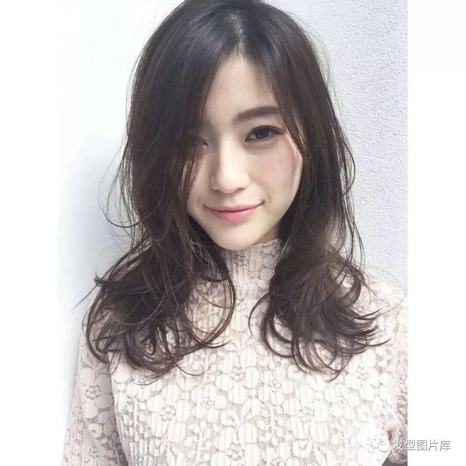 实拍:日本图片造型发的湿发长卷发型a图片发型发廊图片