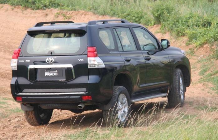 普拉多尾部的TX、VX、TXL啥意思?懂车人很清楚,一眼看出高低配