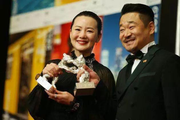 栾树彬 人物||新晋柏林影后咏梅,演了30年中国好老婆原来是90年代摇滚界的尖果儿