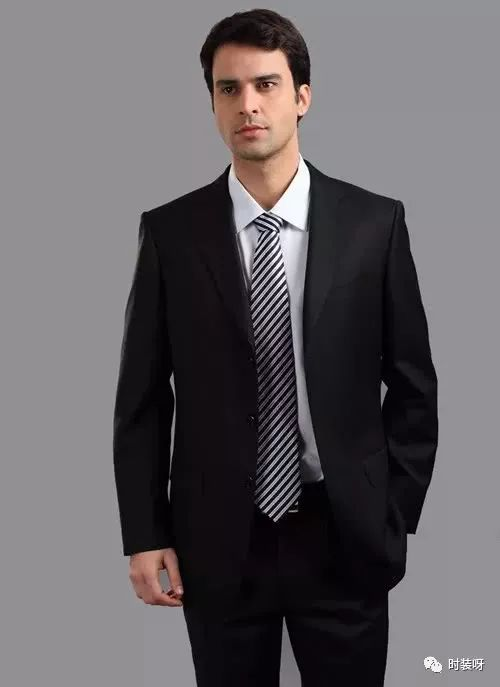 男人的衣服不在于多成熟男人服装搭配技巧