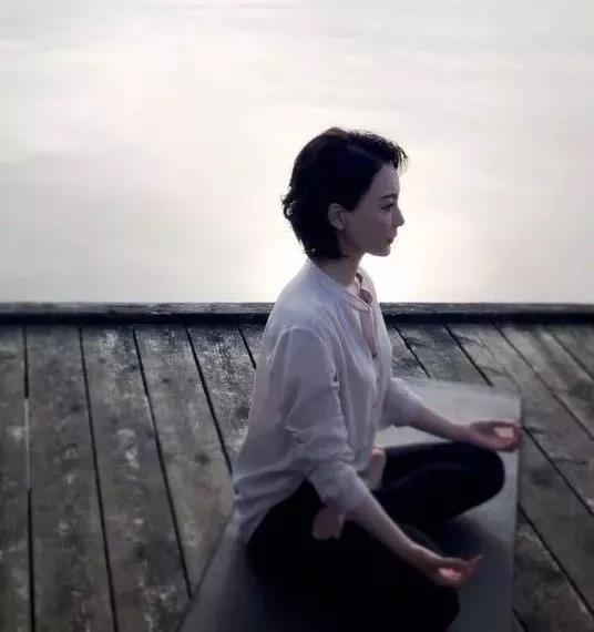 瑜伽呼吸不顺畅?陈数瑜伽教你顺畅初学,呼吸也视频八线殷保华江恩图片