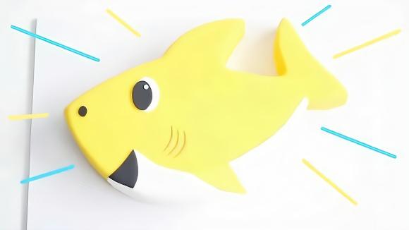 你见过这么可爱的小鲨鱼吗?原来是甜品师做的翻糖蛋糕,创意好牛