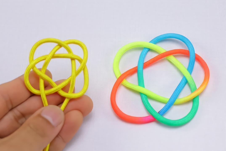 手工编绳,中国结中三股五花结的编法,做挂饰的特别漂亮