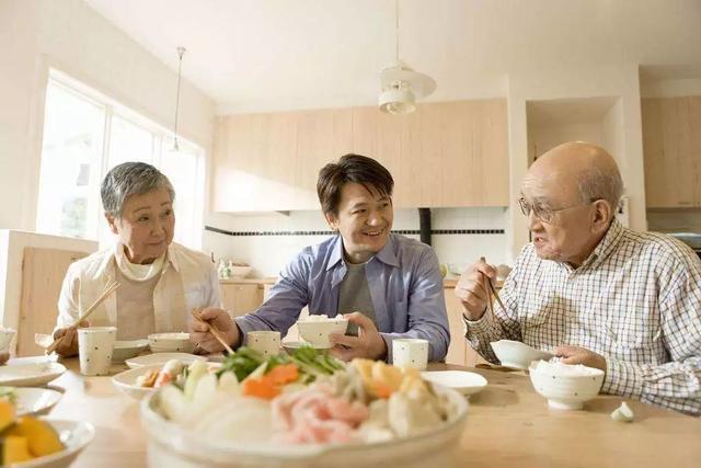 还在用夺命木筷子?日本变态发明 永不发霉 告
