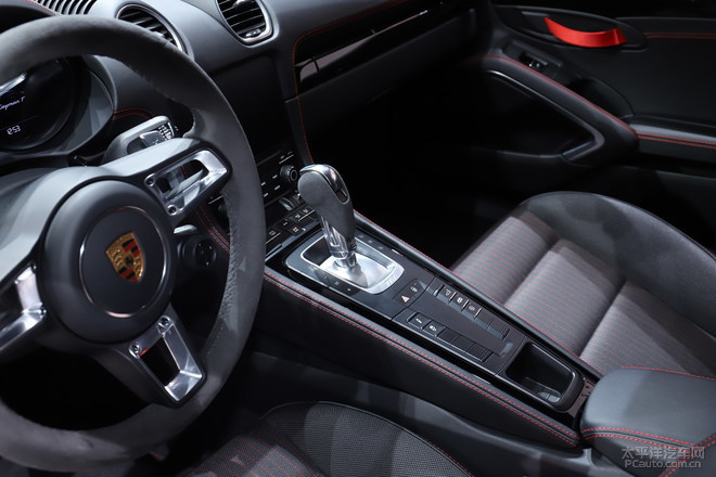 更纯粹的驾驶有趣 保时捷718T车展实拍