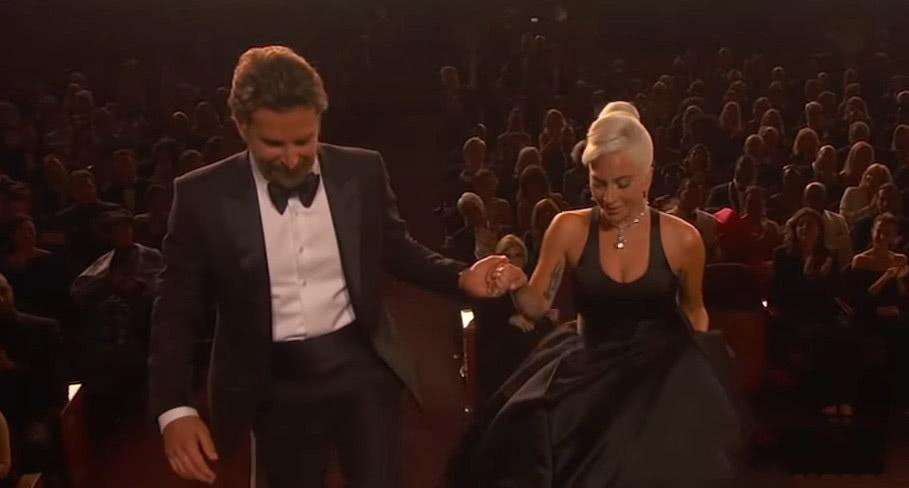 Lady Gaga與庫珀曖昧關系曝光!正宮暴怒粉絲卻支持太烏龍