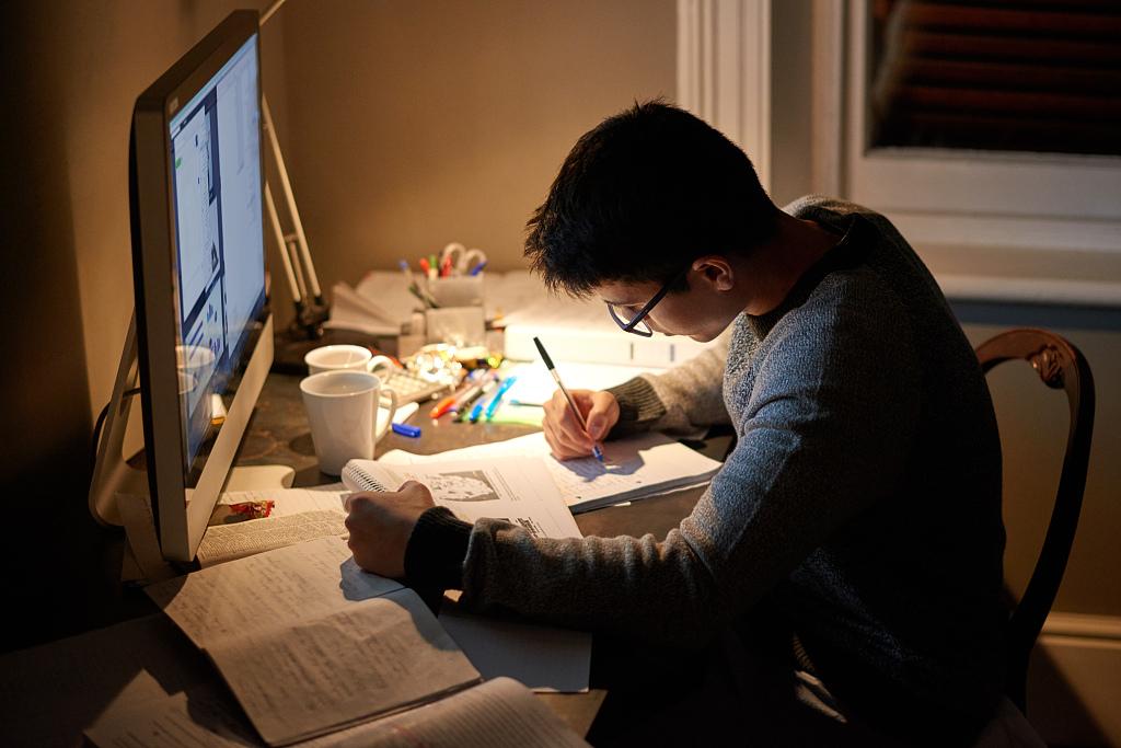 寫作者的宿命:被打臉、或成為復讀機