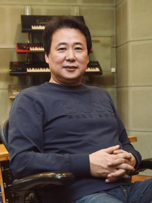韩国知名音乐人被判刑2年!因虐待旗下16岁艺人,殴打他们4年