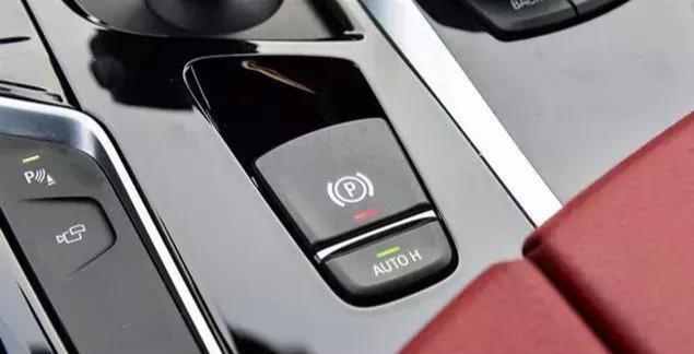 别以为开车是件简单的事。现在看来知道了吧