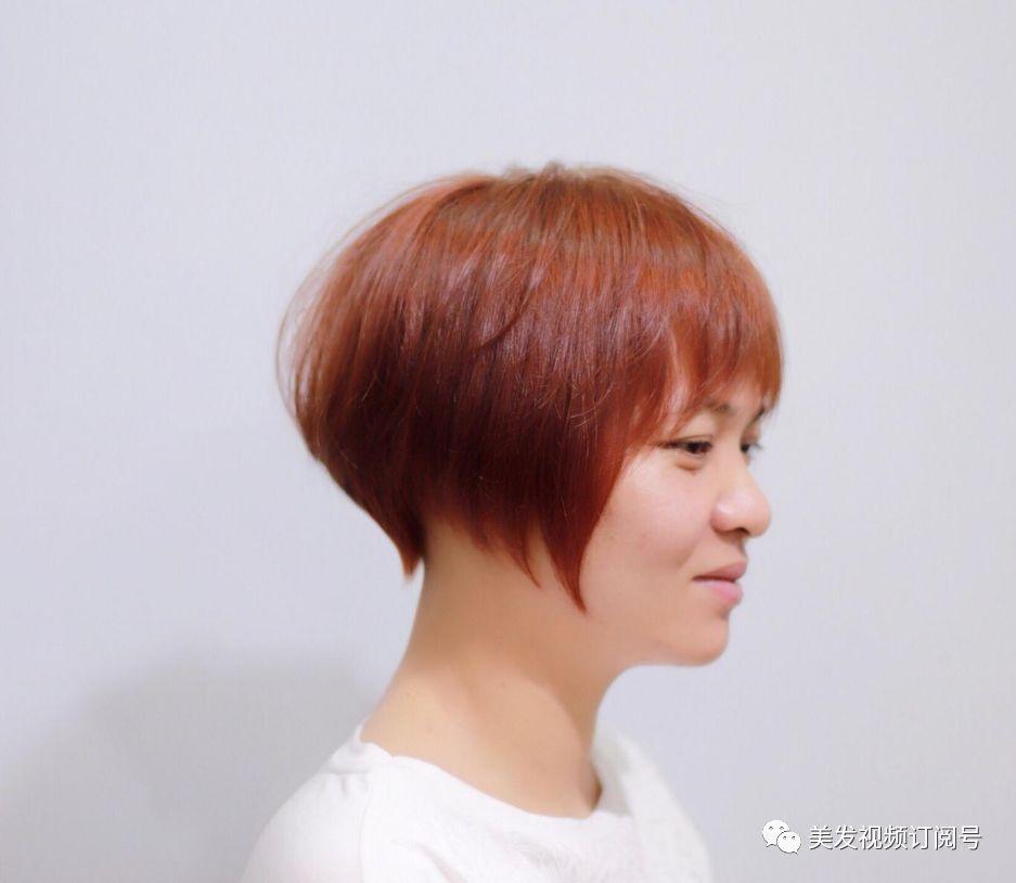 2019年最盛行的短发烫发型,得当25 30岁女人短发最新烫发型图图片