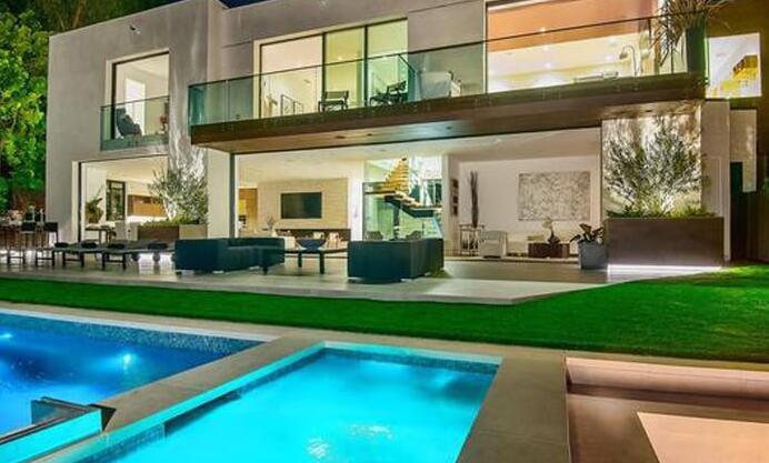 杰西-巴斯在洛杉矶购买豪宅,与詹姆斯成为邻居,徐州天气,徐州安全教育平台,徐州市公安局,剑风传奇剧场版,剑风传奇第三季,剑风传奇第二季