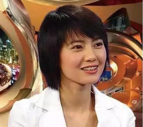 高圆圆的笑容深入人心,但是不知道大家是否知道她早期牙齿不是很齐,并