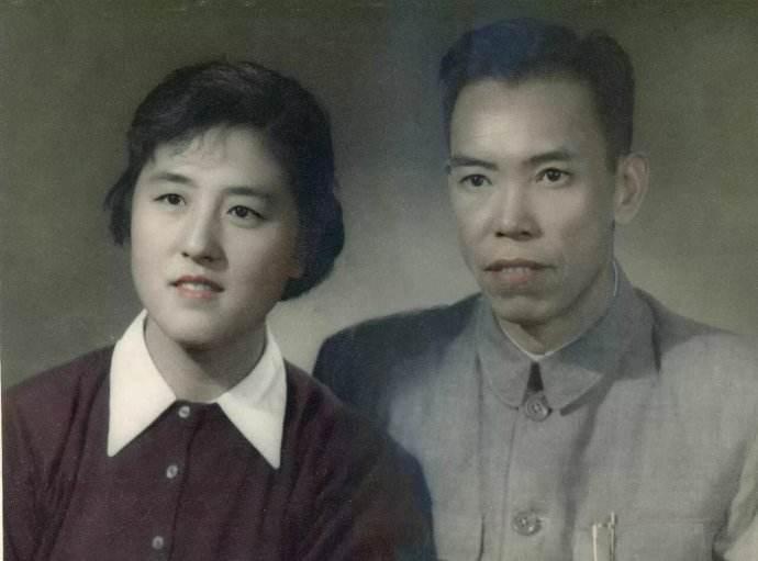 """李天佑和李腾飞_都知道""""万岁军""""的梁兴初 该军首任军长是哪位虎将_凤凰历史"""