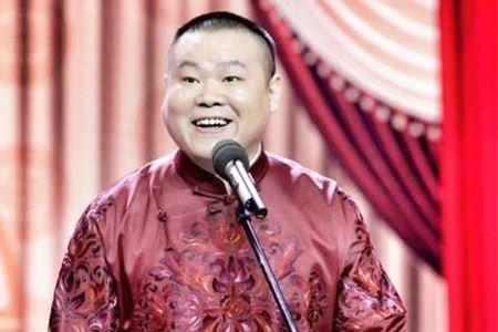 岳云鹏老家婚房曝光!床头唯一一张双人合影,居然是和他的?