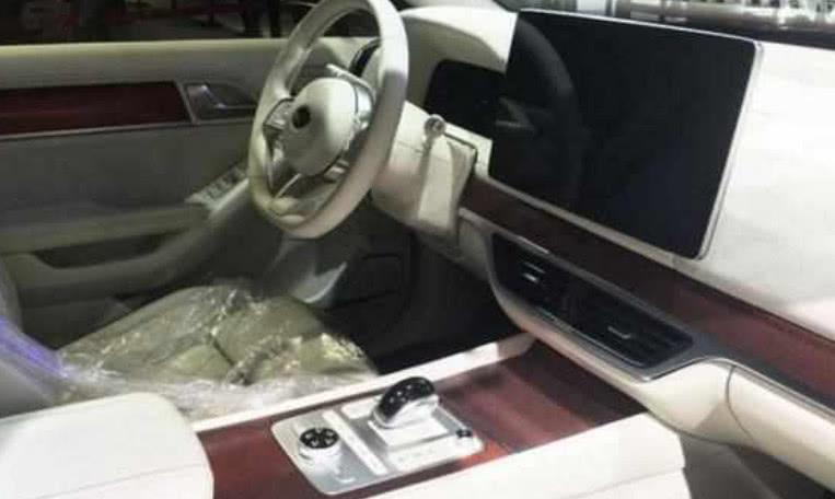 奥迪设计师请对了!比亚迪新车霸气不输Q7,全新内饰堪比头等舱