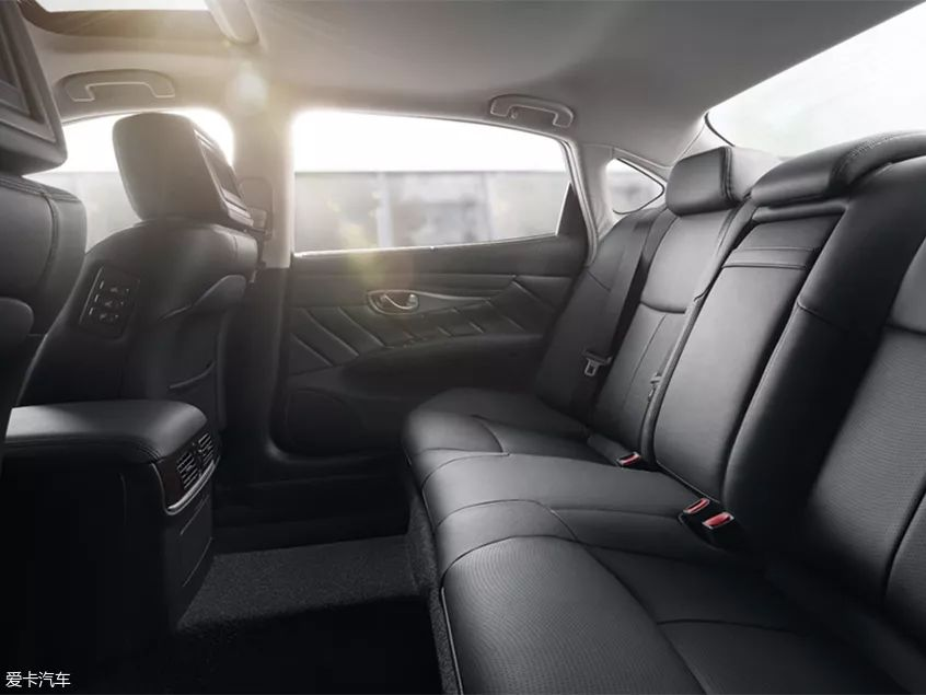 二线豪华品牌开始发力,2019款英菲尼迪Q70L正式上市,竞争力进一