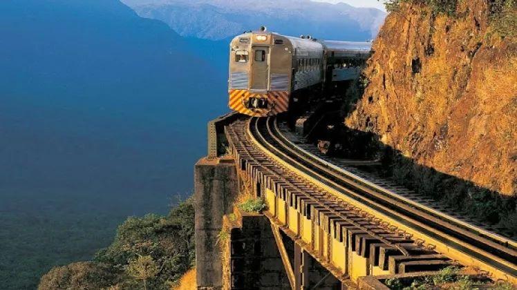 库里提巴奢华的火车之旅