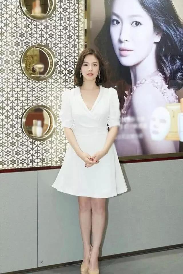 37岁宋慧乔为啥会被宋仲基速娶回家,还不是因为她会穿,贼美!