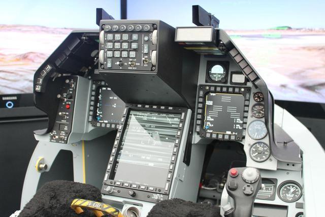 台军又挨宰了!F16V单价2亿美元,几乎与F22同价