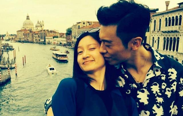 朱亚文老婆用美颜相机自拍,网友却大赞和灵魂一样纯净