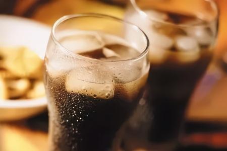 常喝可乐会导致骨质疏松?这些谣言别再信了
