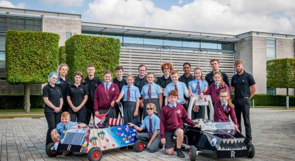 劳斯莱斯汽车助力当地小学参加2019电动汽车挑战赛