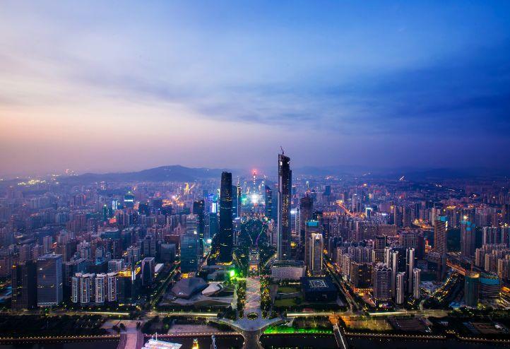 广州市多少人口_中国人均GDP在2001年达到1000美元,那何时达到10000美元呢