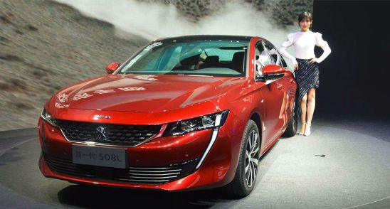 1号馆 东风标致508l 相比海外车型,国产508l轴距加长了110mm,达到2850