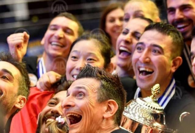 骄傲+突破!朱婷获得世界劳伦斯最佳女运动员提名