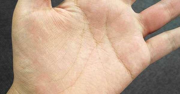 女生掌纹_经常看到男生在「撩妹」时,都会谎称自己会看手相,于是抓着女生的手