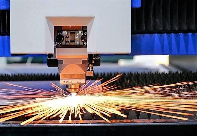 厂子用机械赚到了钱再给富家激光