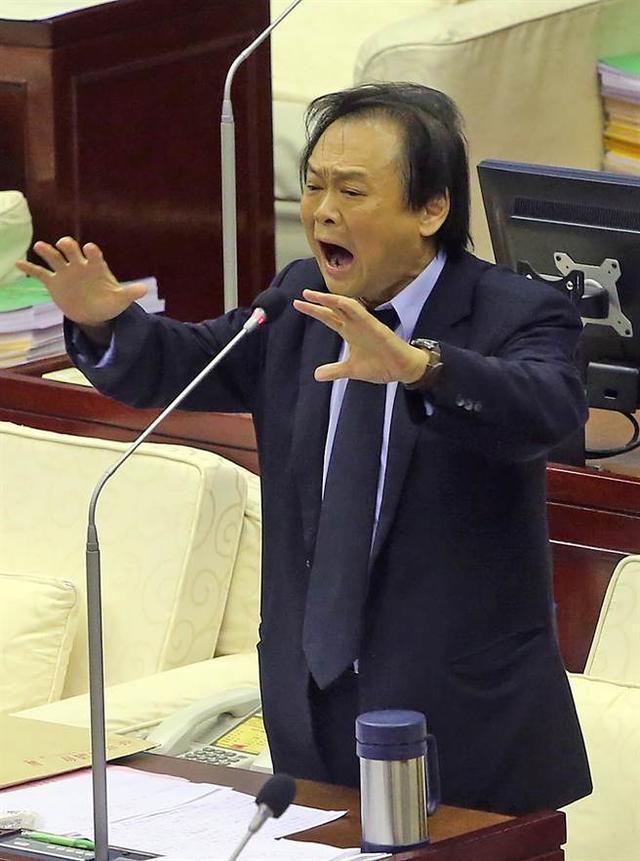 """一生黑?王世坚:韩国瑜要远离""""坏蛋柯文哲"""""""
