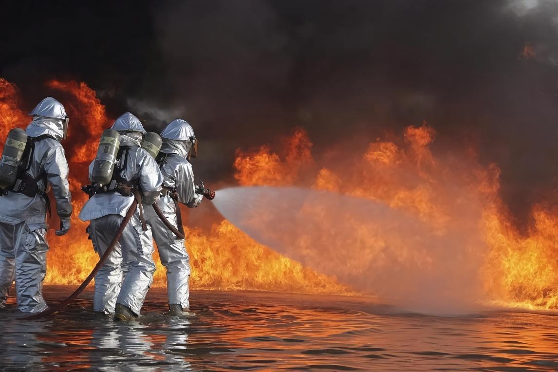 日本发明新型消防车,科技感十足,效率高还可以远程电控灭火!