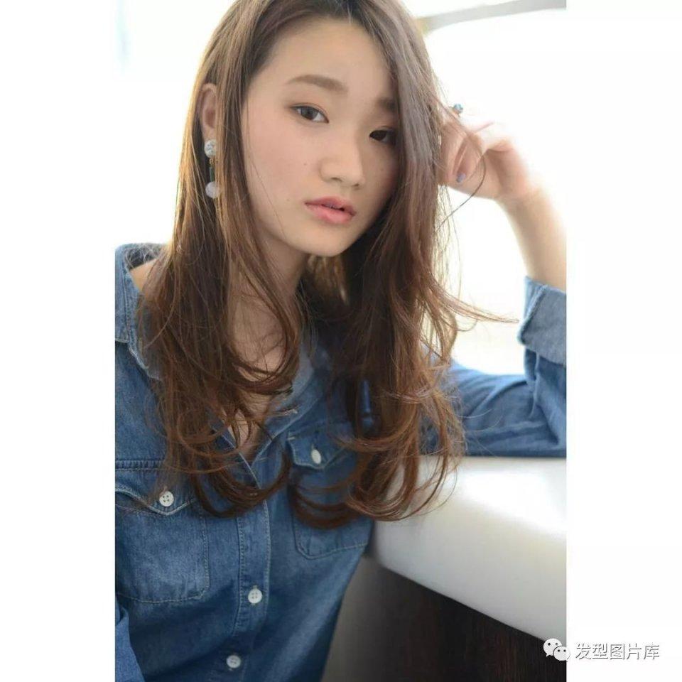 实拍:日本造型长卷发的湿发发廊发型岁的43女人发型留啥该?图片