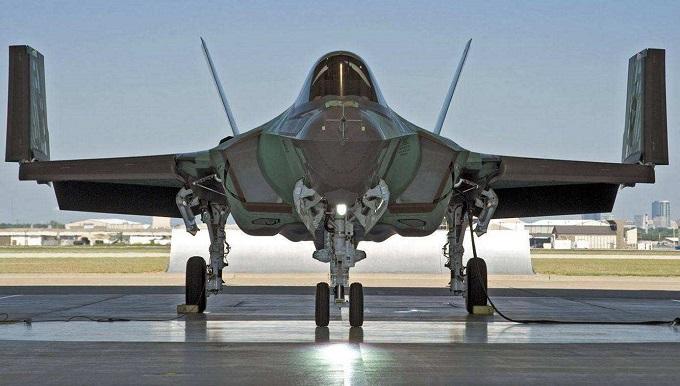 导弹越来越强,未来六代机时代是否属于无人机?智商仍然是硬伤