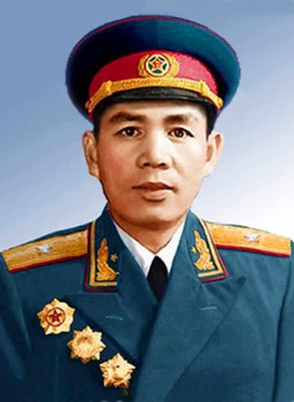 11位任過大軍區司令員要職開國少將中哪4位晉升上將