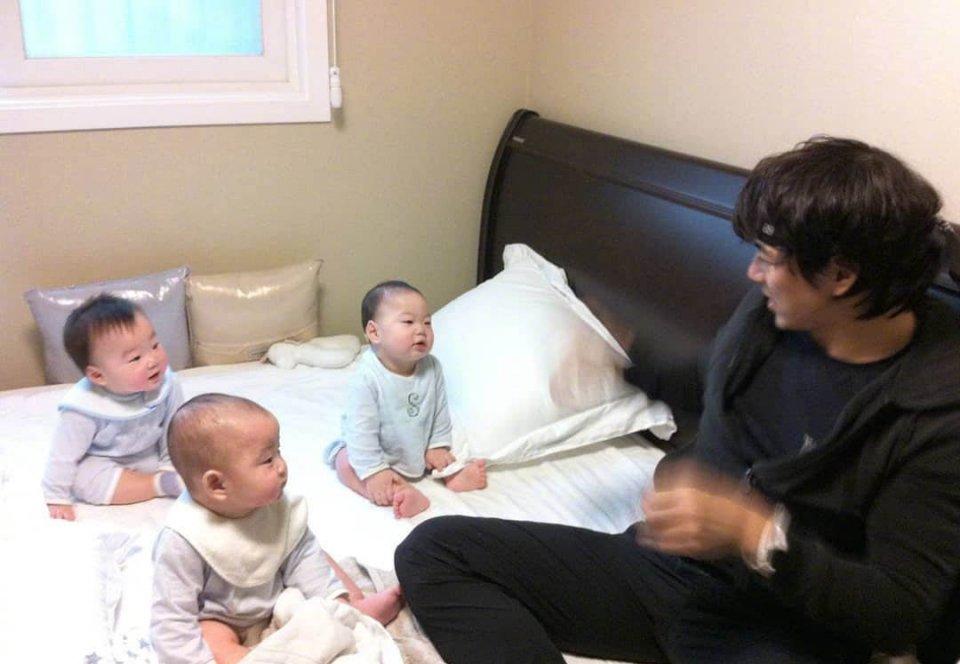 韩国表情包三兄弟旧照曝光,网友从小萌到大 娱乐前线 第2张